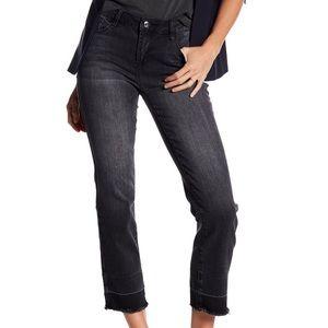 Kensie Straight Leg Released Hem Jeans Size 6/28